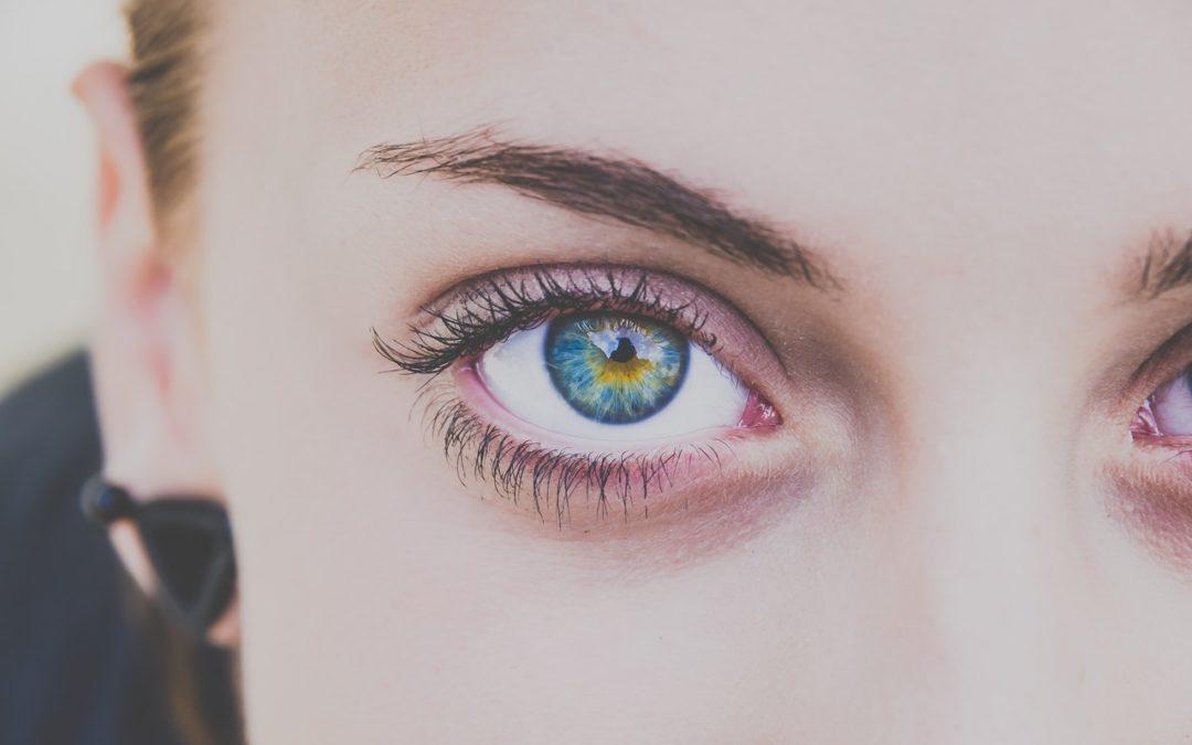 Die perfekten Augenbrauen – so habt ihr den Bogen raus!